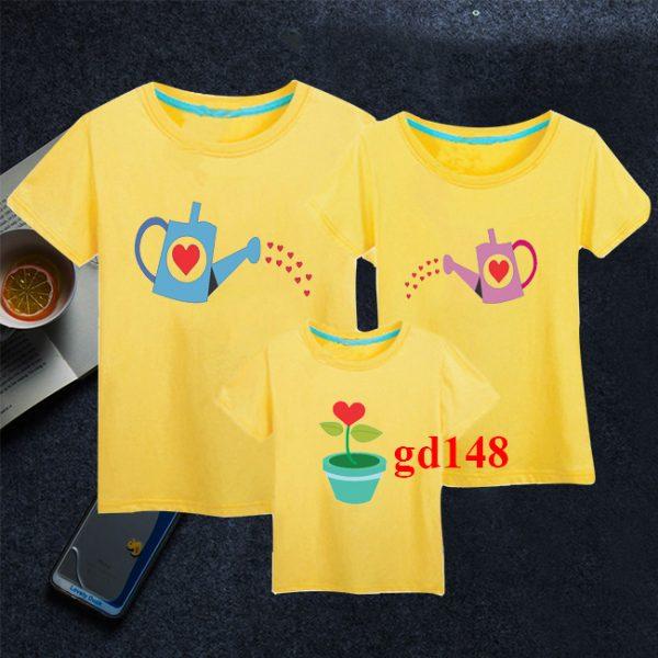 áo thun cho cả gia đình với hình hoạt họa