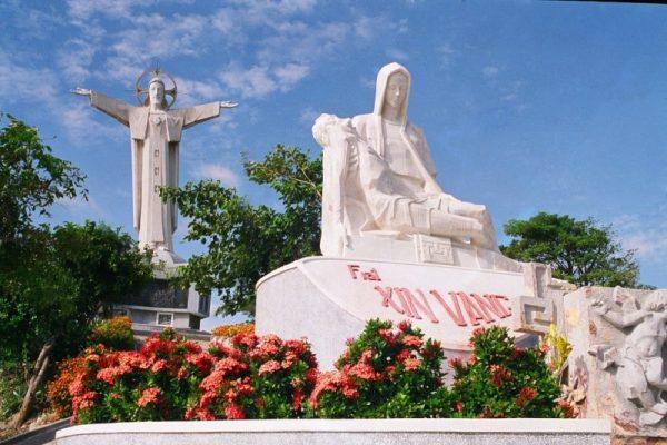 Tượng Chúa Giêsu Kito Vua